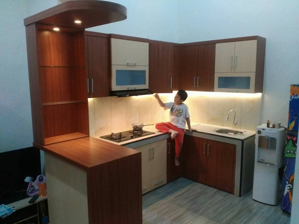 Harga kitchen set minimalis kota malang kitchen set di for Harga kitchen set aluminium per meter